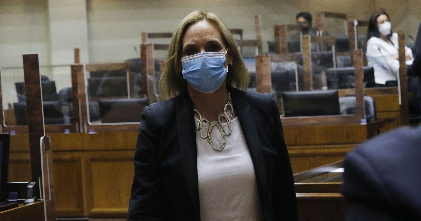 Carolina Goic denunciará ante la PDI amenaza de seguidor de Pamela Jiles