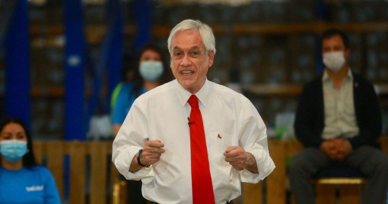 El mandatario durante el anuncio. Foto: Agencia Uno.