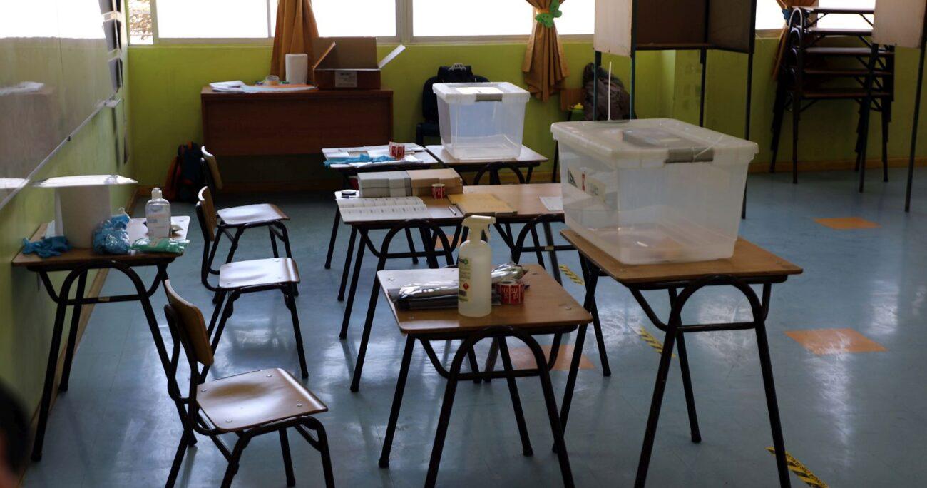 Una mesa de votación en la ciudad de Copiapó. (Foto: Agencia Uno)