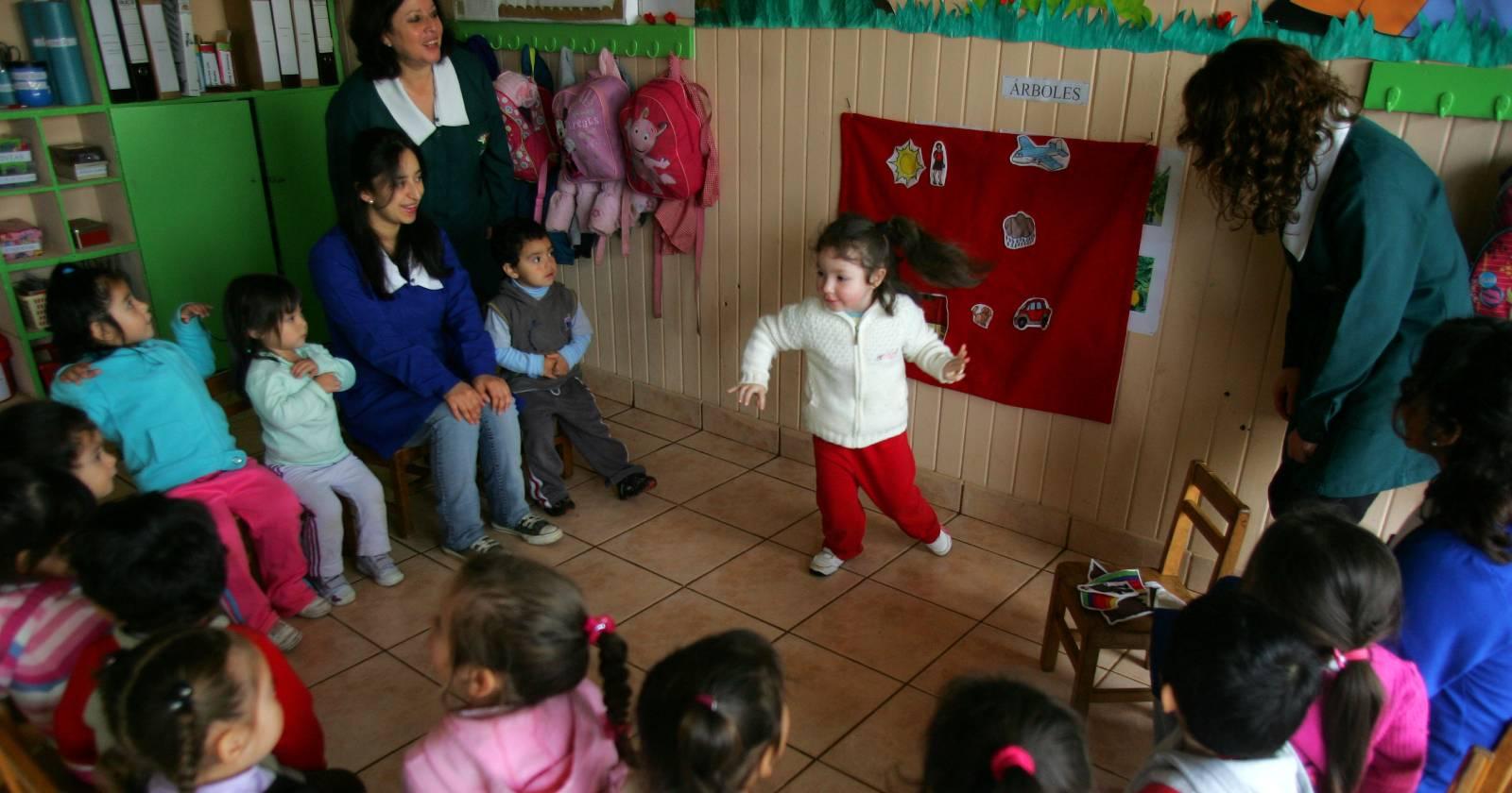 """""""Comienza el proceso de postulación a las salas cuna y jardines infantiles de la Junji Metropolitana"""""""