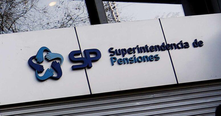 Superintendencia de Pensiones publica documentos para desmentir a Felices y Forrados