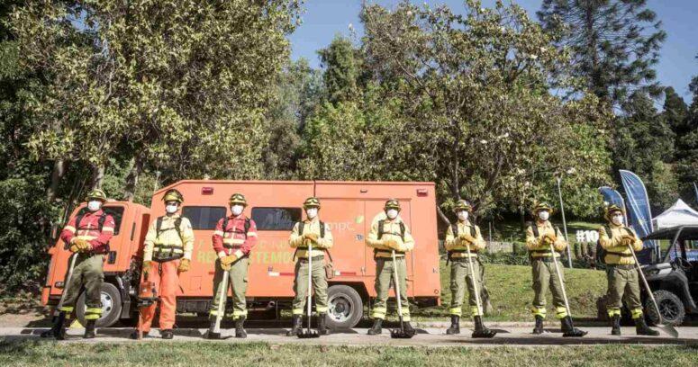 """""""Brigada Central: la nueva cuadrilla que trabajará en la prevención y el combate de incendios rurales en la Región Metropolitana"""""""