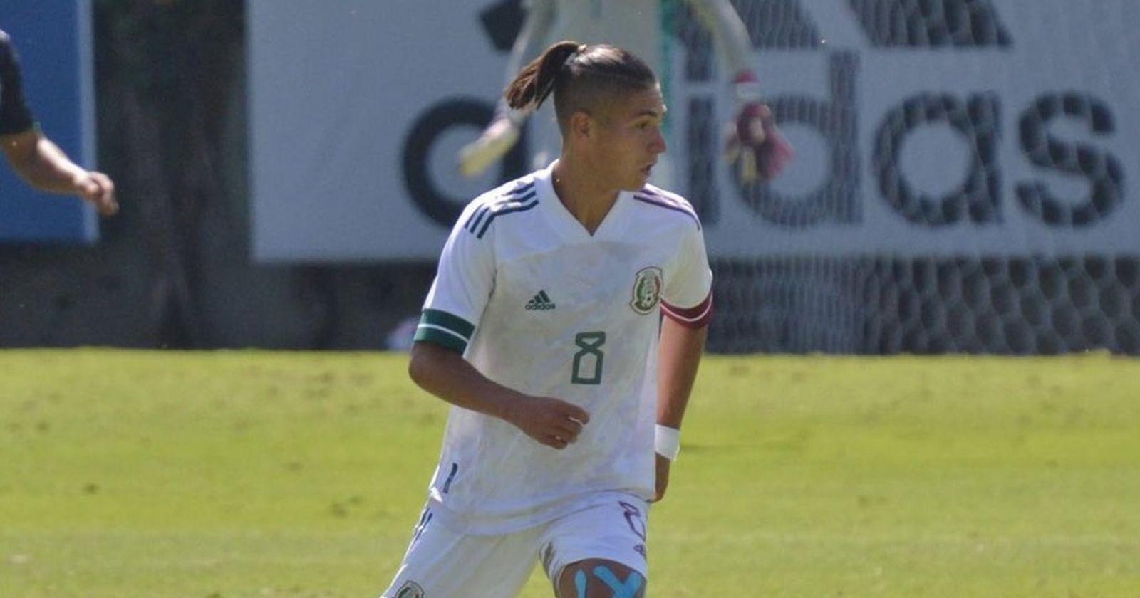 Uno menos para la Roja: Benjamín Galdames elige jugar por la selección de México
