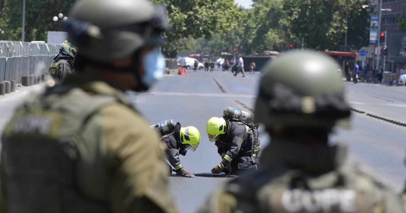 Desperfecto eléctrico motivó amplio operativo del GOPE y Bomberos en cercanías de La Moneda