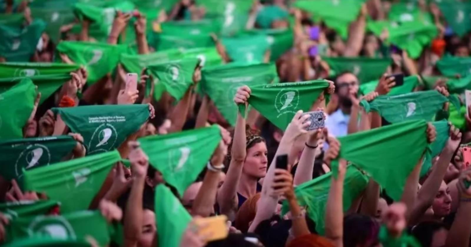 """La lucha por despenalizar el aborto en Argentina: """"Es una deuda de la democracia"""""""
