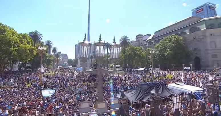 Preocupación en Argentina por posible rebrote de coronavirus tras el masivo funeral de Maradona