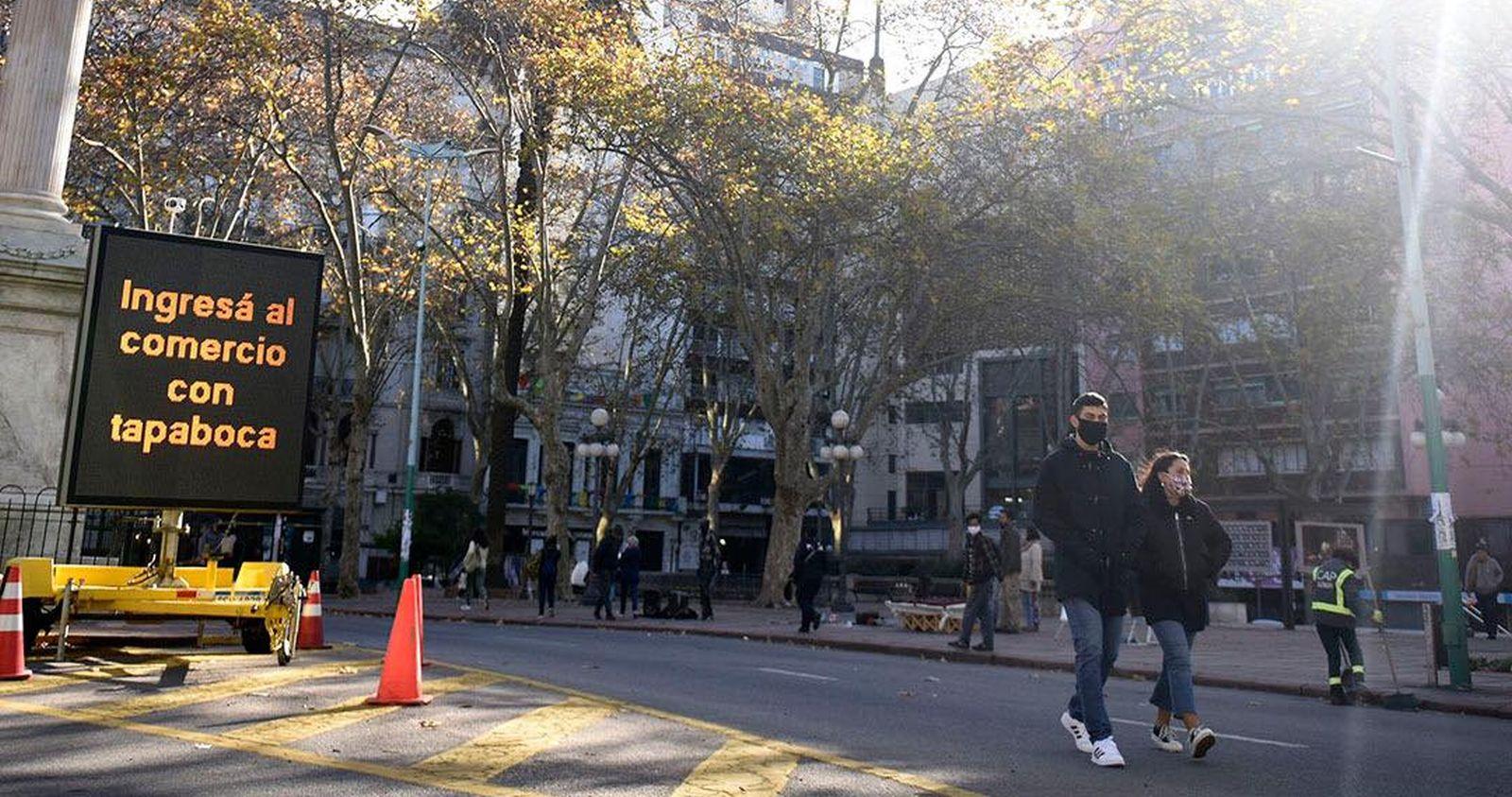"""""""Del ejemplo a la preocupación: Uruguay alcanza récords de contagios con coronavirus"""""""
