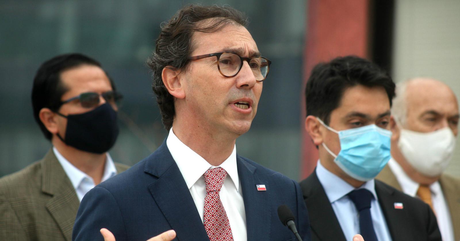 Ministro Raúl Figueroa confirma que las clases en 2021 comenzarán el 1 de marzo