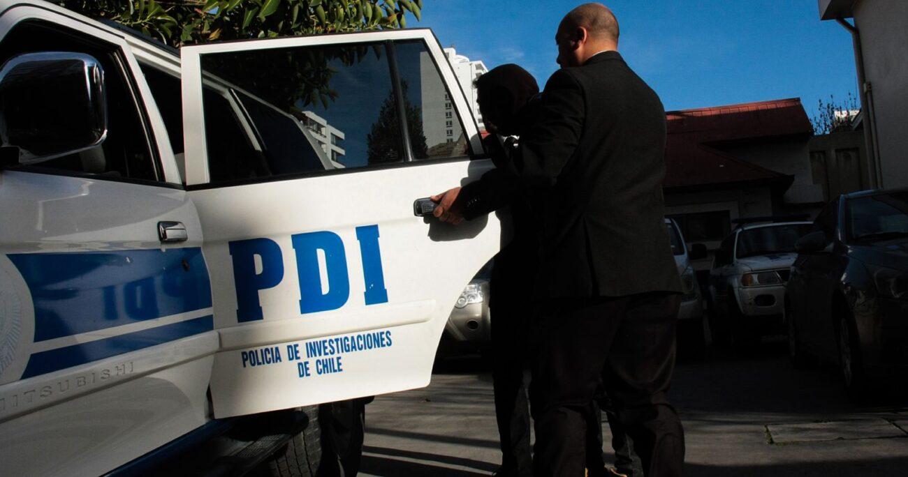 La PDI informó sobre la detención de la autora del ataque armado. Foto: Agencia Uno.