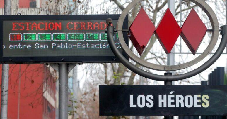 Carabineros detiene a sujeto por quemar con ácido sulfúrico a mujeres en el Metro