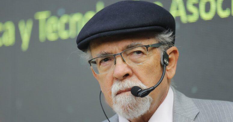 """José Maza: """"Espero que el eclipse ilumine el cerebro de los políticos"""""""