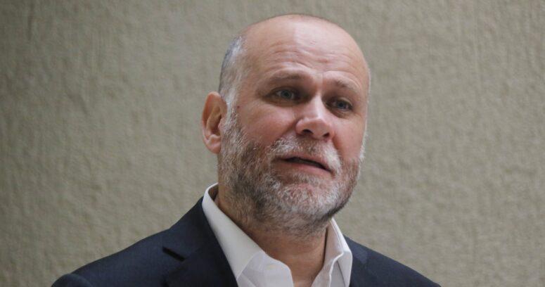 Alvaro Elizalde descarta precandidatura presidencial en el PS tras irrupción de Paula Narváez
