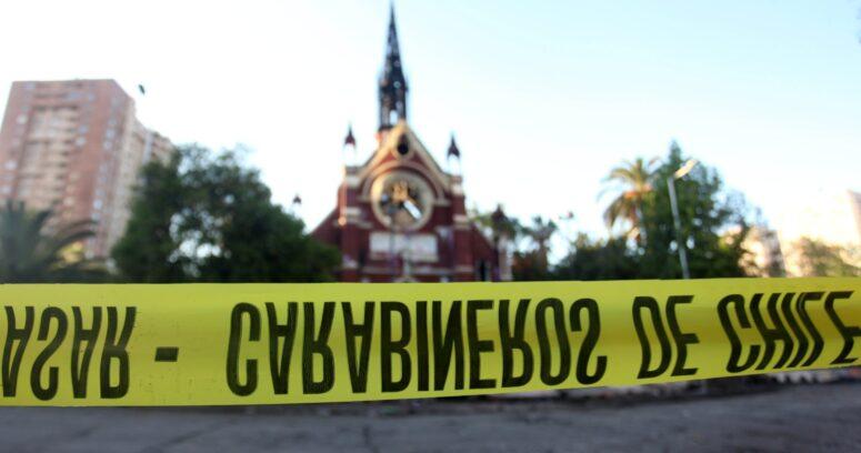 Fiscalía pidió 14 años de prisión para acusado de incendio en iglesia de Carabineros