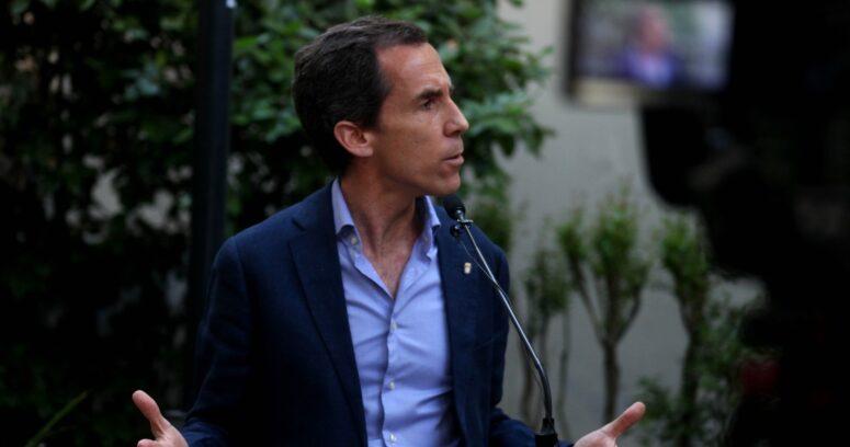 """Alcalde Alessandri por aglomeraciones en el comercio: """"En Meiggs falta Estado"""""""