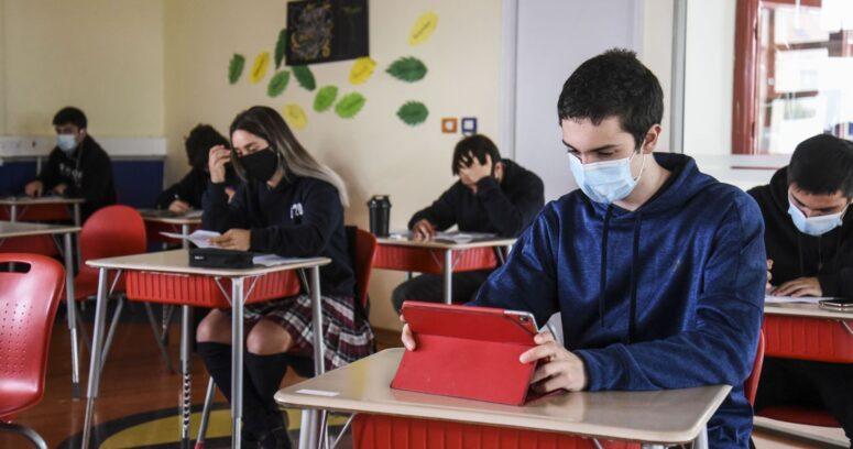 Diputados buscan replicar el proceso constituyente en los colegios