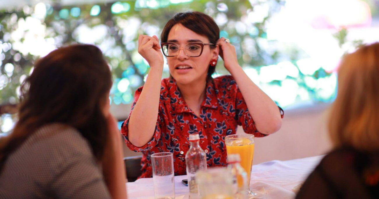 Karina Oliva durante su campaña para primarias. Fuente: Agencia Uno.