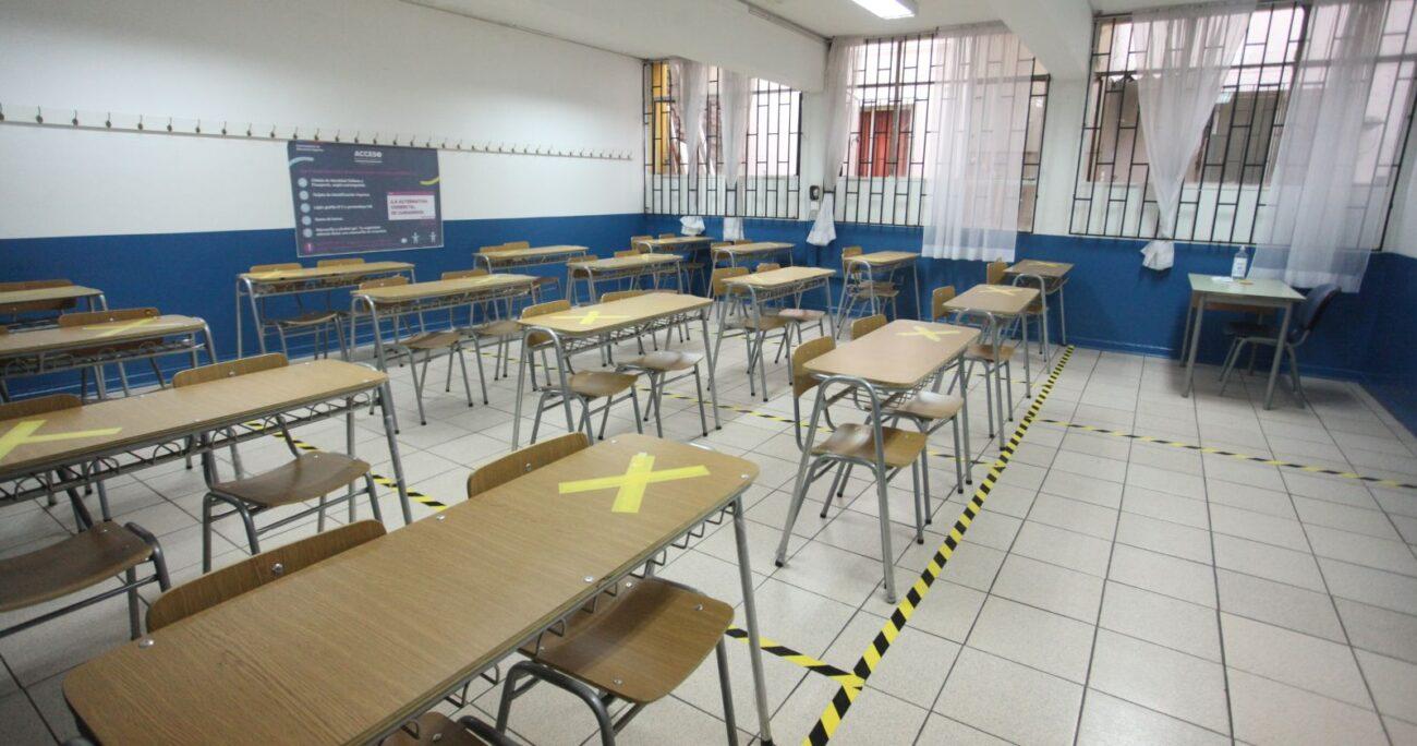 Una sala de clases habilitada para la prueba. Foto: Agencia Uno