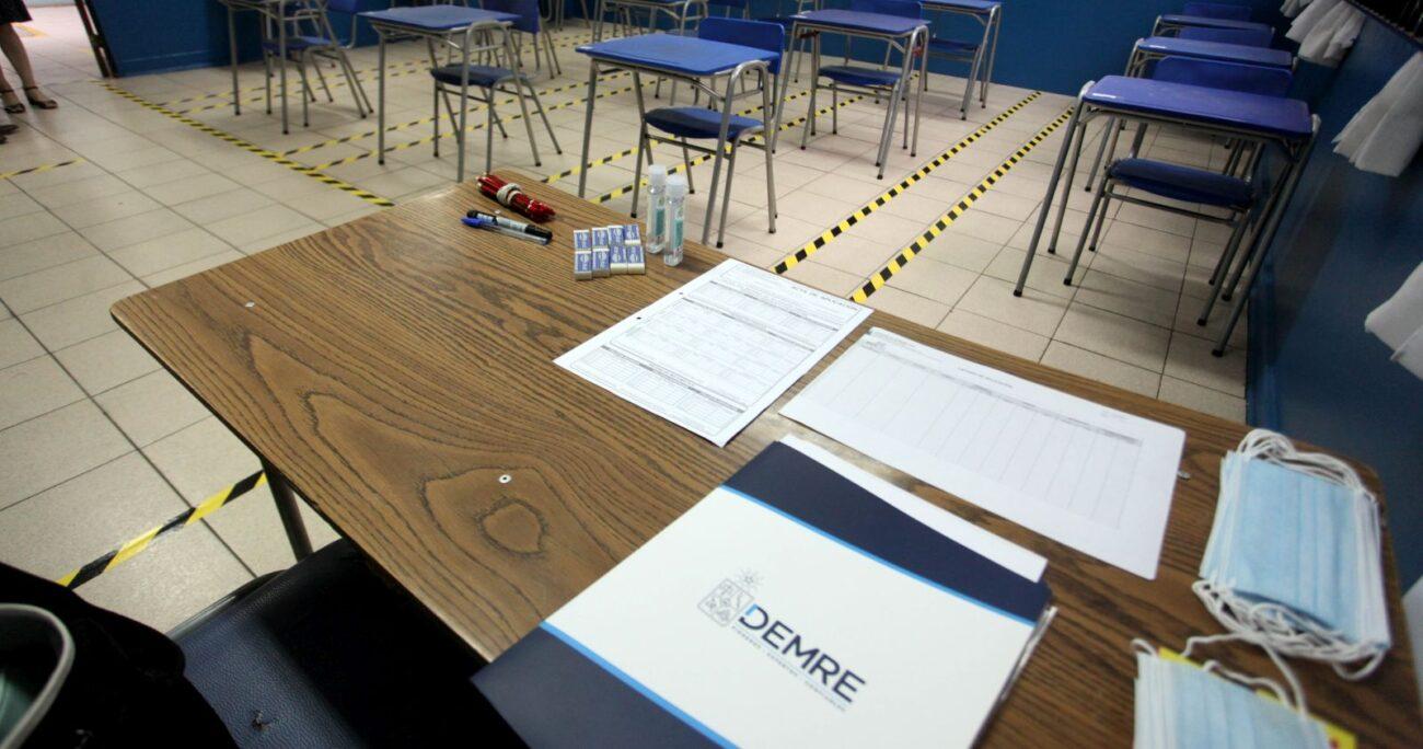 Una sala de clases habilitada para la Prueba de Transición. Foto: Agencia Uno