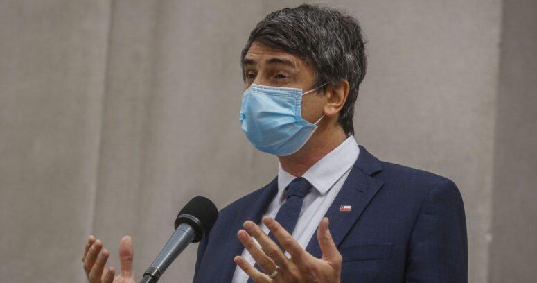 """Ministro Couve destacó las """"altas exigencias"""" en la aprobación de la vacuna de Pfizer"""