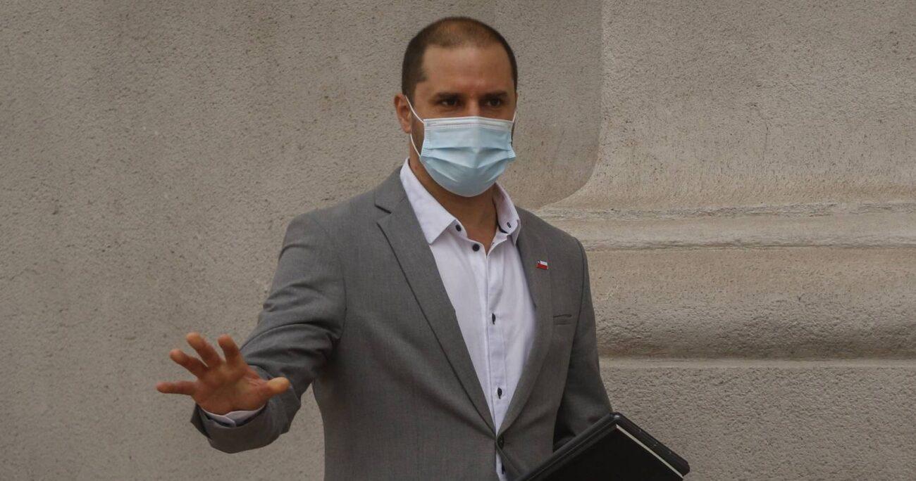 Vocero Jaime Bellolio en La Moneda. Fuente: Agencia Uno.