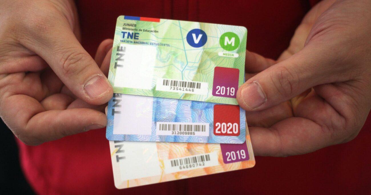 La TNE permite un ahorro hasta en un 70% en el valor del pasaje de locomoción colectiva. Foto: Agencia UNO