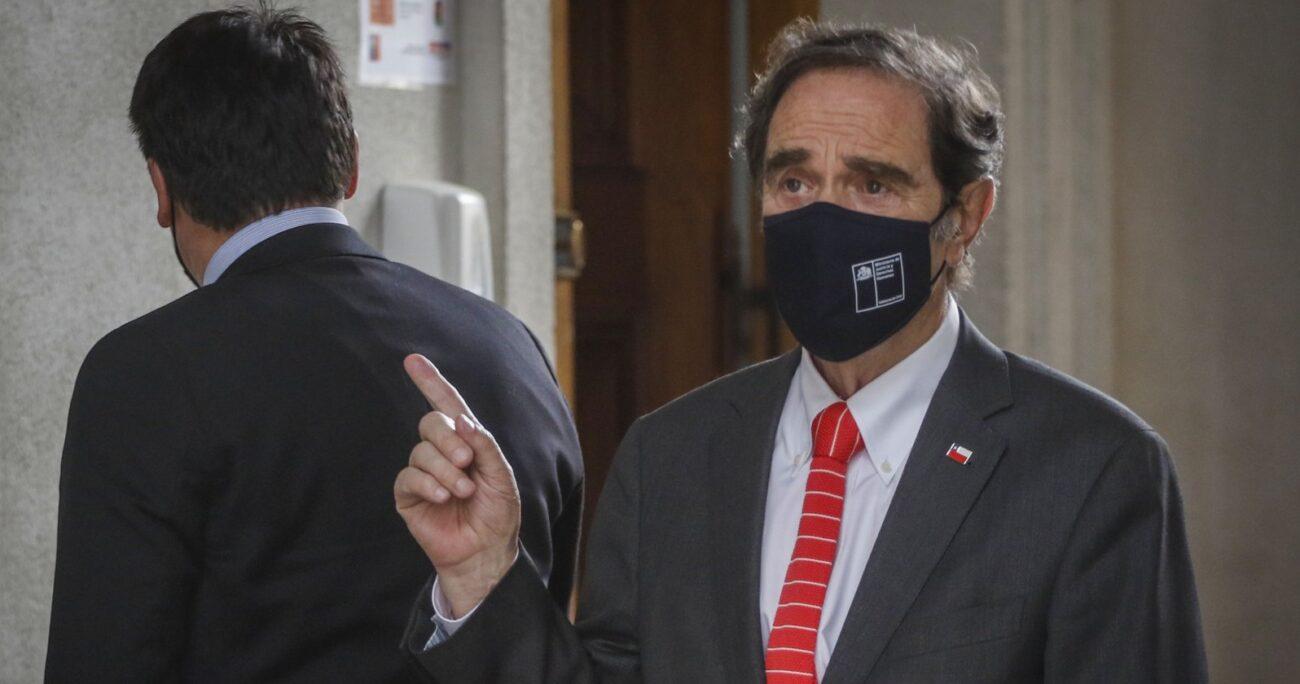 Ministro Hernán Larraín en La Moneda. Fuente: Agencia Uno.