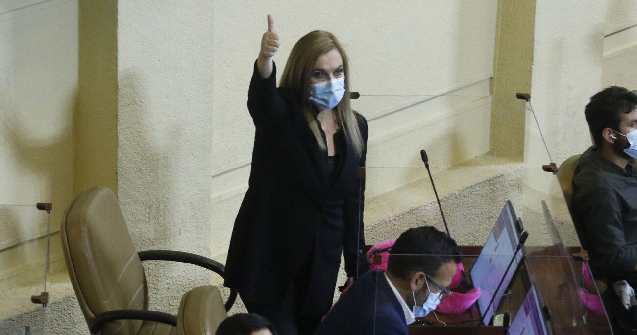 Pamela Jiles durante tramitación del segundo retiro en la Cámara Baja. Fuente: Agencia Uno.