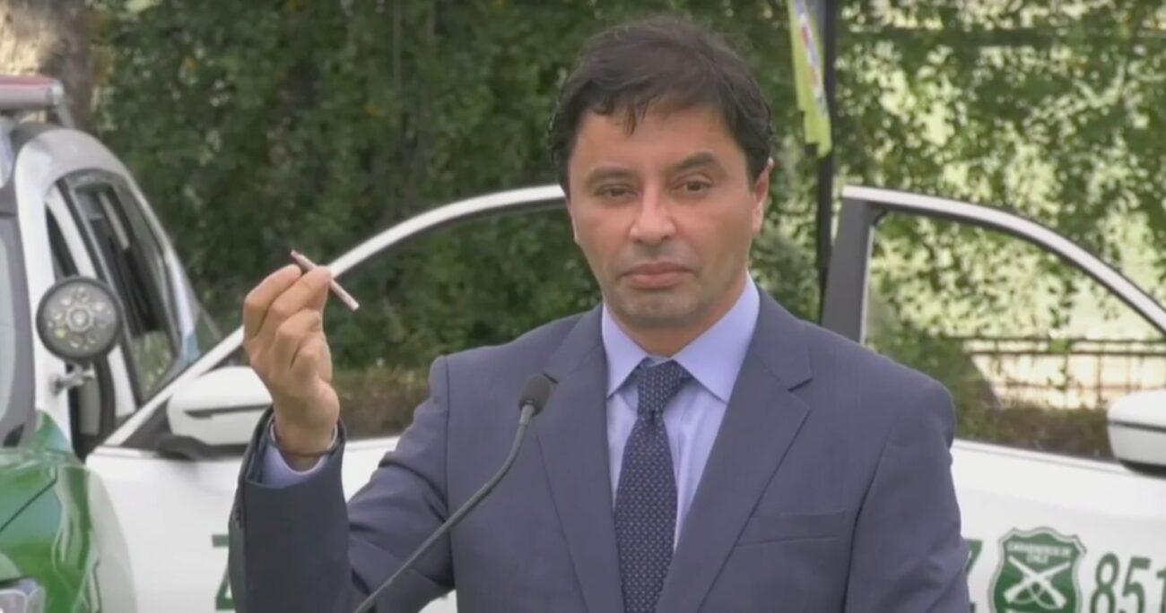 Rodolfo Carter durante la actividad con Carabineros. Fuente foto y video: Mediabanco.