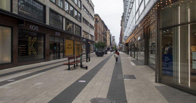 """""""Suecia pone fin a su experimento e impone restricciones para contener la pandemia"""""""