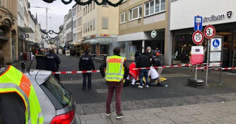 Vehículo embiste contra zona peatonal en Alemania: hay al menos dos muertos y diez heridos