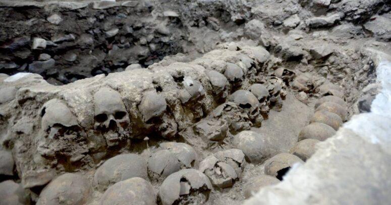 """""""Arqueólogos descubren más de 100 cráneos en Ciudad de México"""""""