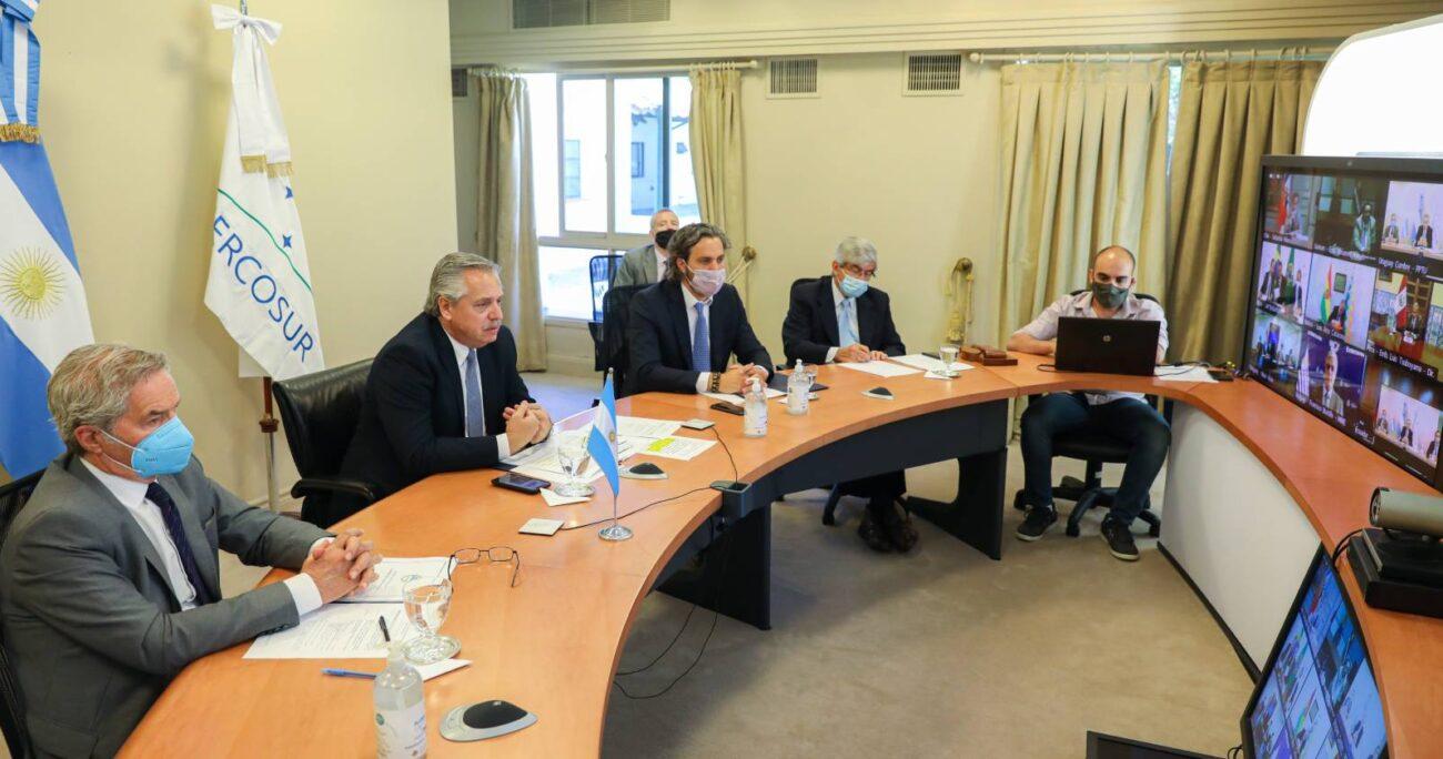 En la reunión, el presidente trasandino estuvo acompañado por su jefe de Gabinete, Santiago Cafiero, y su canciller Felipe Solá. Foto: @SantiCafiero