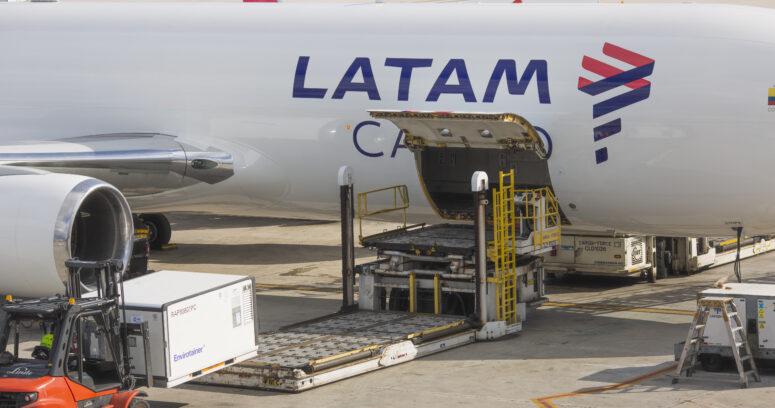 LATAM pone a disposición sus aviones para transporte gratuito de vacuna Covid a nivel nacional
