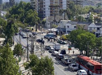 """""""Balacera en Vitacura deja un guardia municipal herido en una pierna"""""""