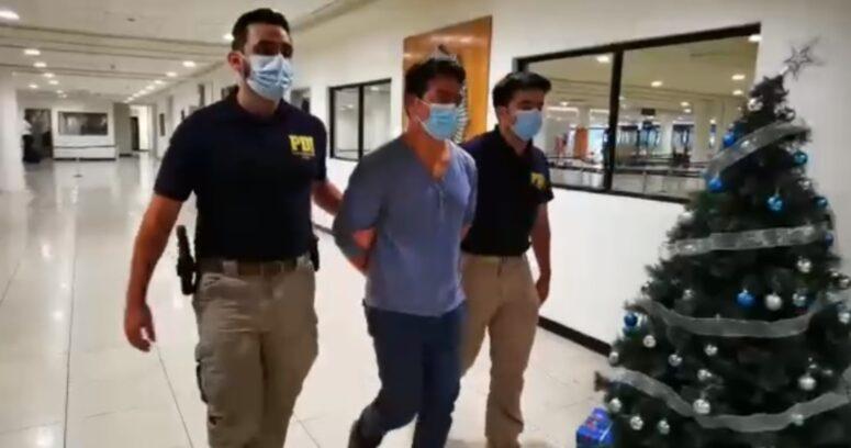 """""""Hombre fue detenido por falso aviso de bomba al interior de un avión en Aeropuerto de Santiago"""""""