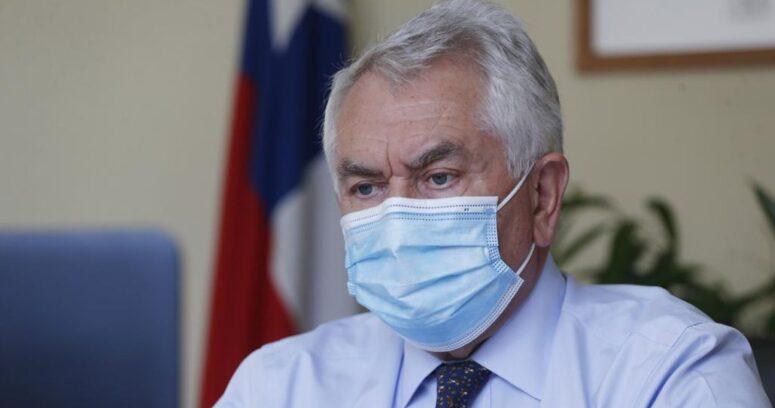 """Ministro Paris: """"Nos preocupa mucho ver las aglomeraciones en Santiago y regiones"""""""