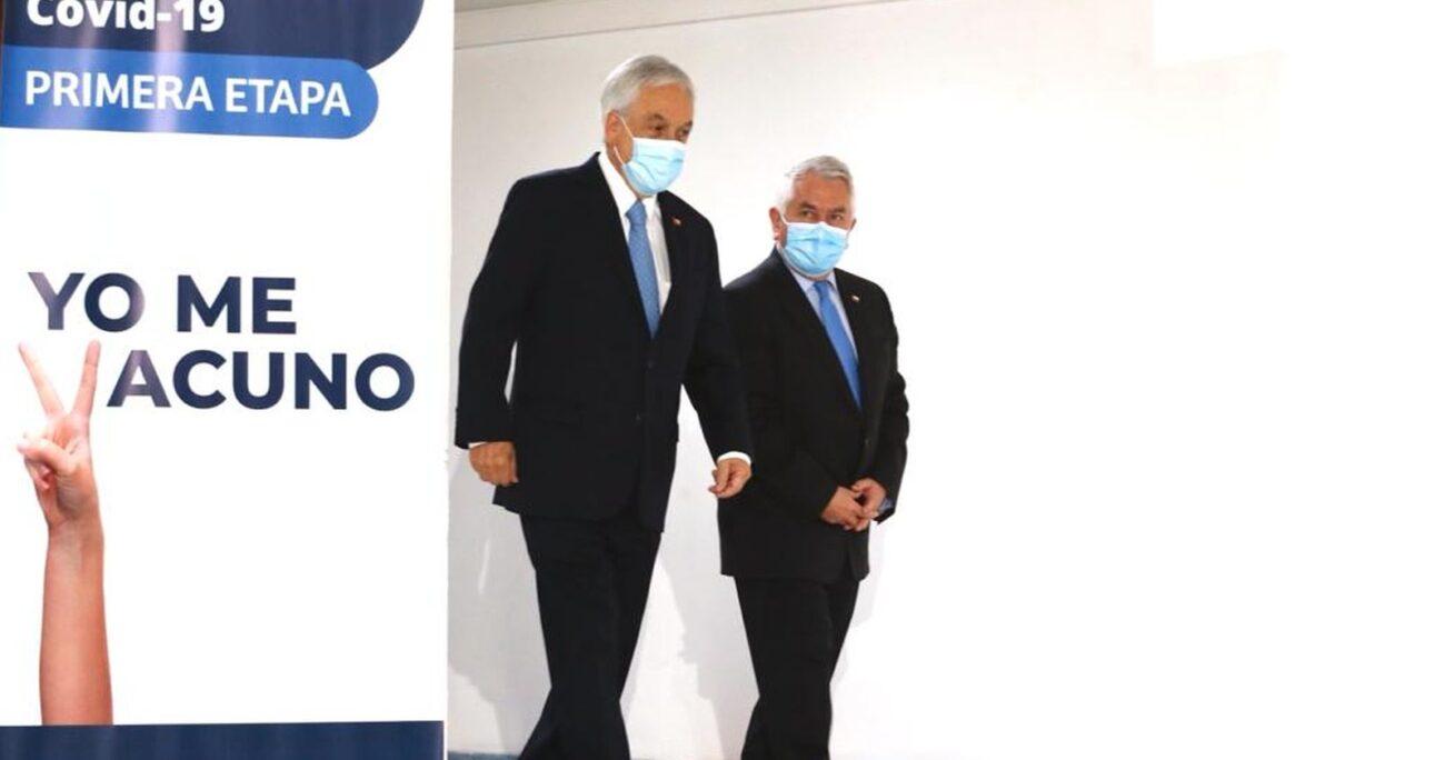 Paris junto con el Presidente Sebastián Piñera durante el inicio de la vacunación. Foto: Minsal