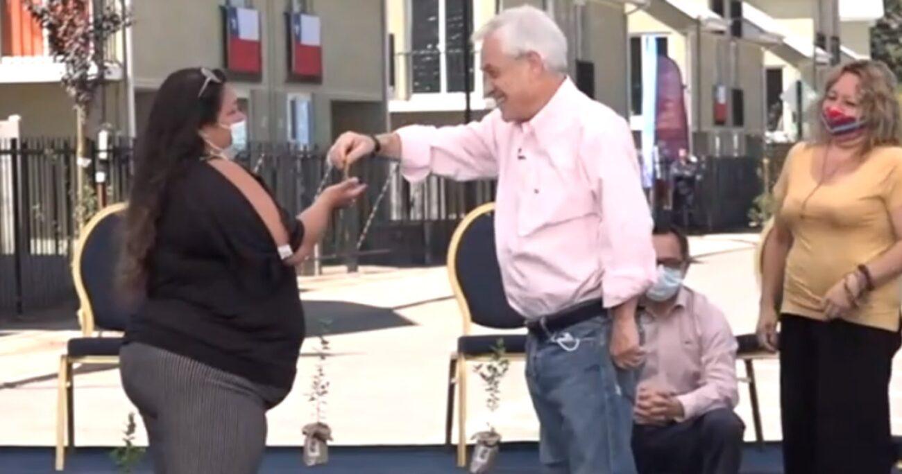 Presidente Piñera durante entrega de viviendas en Los Andes. Fuente: Presidencia.