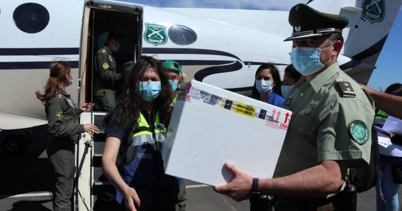 Llegan las primeras dosis de la vacuna Pfizer contra el COVID-19 al Biobío. Fuente: Agencia Uno.