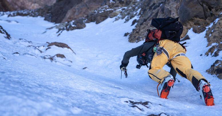 Montañista Juan Pablo Mohr sube las cimas más altas de cada región para promover el turismo de montaña