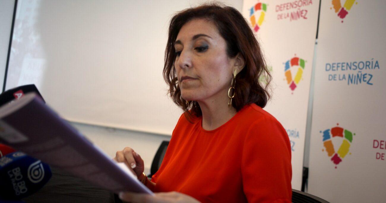 Patricia Muñoz durante balance de la Defensoría de la Niñez. Fuente: Agencia Uno.