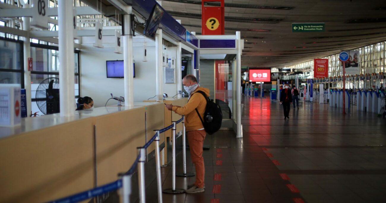 El Aeropuerto de Santiago durante la pandemia. Foto: Agencia Uno.