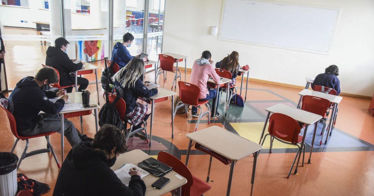 Las autoridades informaron sobre las medidas tomadas por las escuelas tras la aparición de un caso: Foto: Agencia Uno.