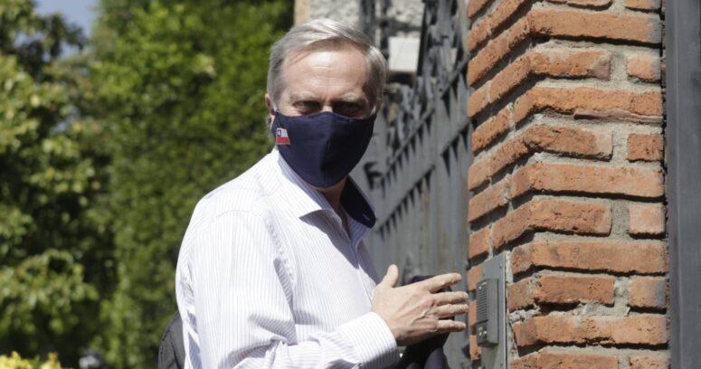 """José Antonio Kast arremete contra posible carrera presidencial de Briones: """"La billetera fiscal no puede estar al servicio de una candidatura"""""""