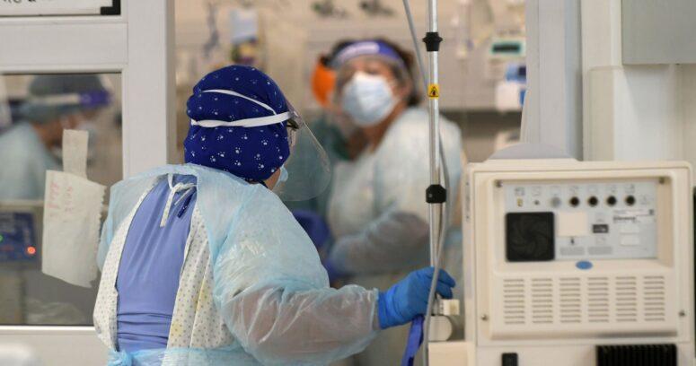 """Ex ministros de Salud piden comunicar """"de manera experta los riesgos"""" del COVID-19"""