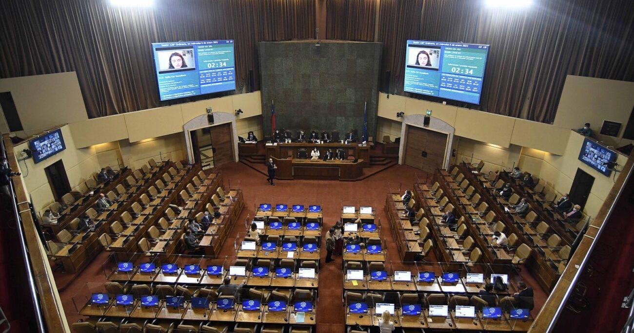 El proyecto fue despachado hacia el Senado. Foto: Agencia Uno.