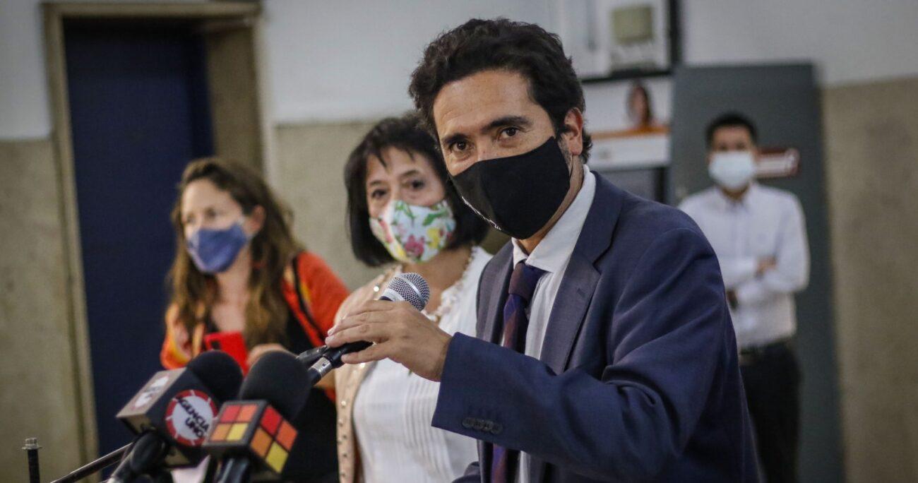 Al revelar que no se postularía a La Moneda, Felipe Kast dejó abierta la puerta a otras opciones. Fuente: Agencia Uno.