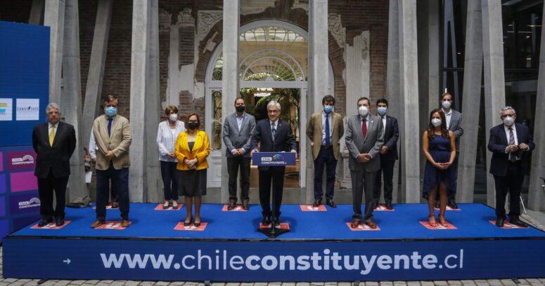 """""""Piñera presenta el Palacio Pereira como sede de la Convención Constitucional"""""""