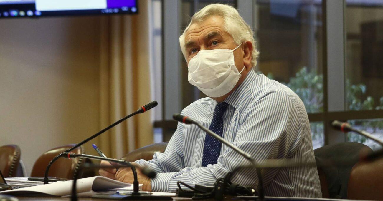 Enrique Paris, ministro de Salud. Foto: Agencia Uno.