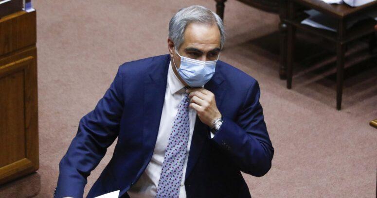 Francisco Chahuán congeló su militancia en RN y bajó su precandidatura presidencial
